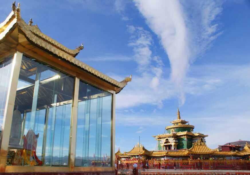 朝圣世上最壮观的色达喇荣五明佛学院
