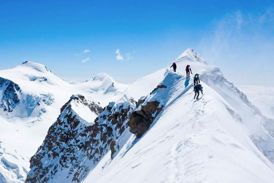 登顶哈巴雪山,挑战自我极限