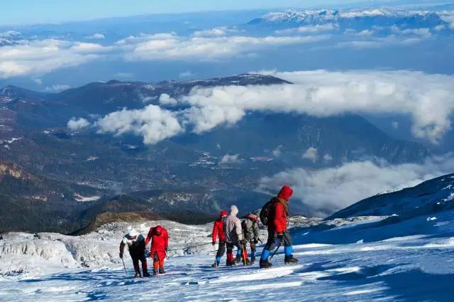 攀登人生第一座雪山,挑战5396米哈巴雪山登顶