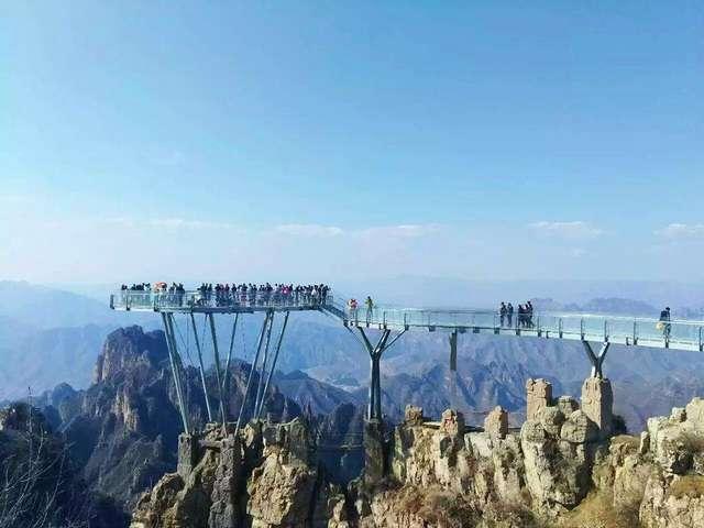 文章 想带你去这些玻璃桥,看你哭成水龙头……  要说目前最长的悬空