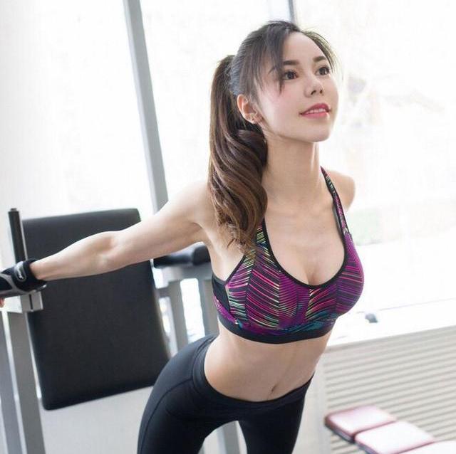 拒绝乳摇丨美女亲身体验skins运动bra,1秒塑形不压胸