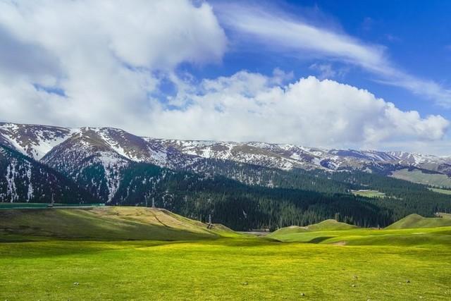 从北疆到南疆 ,这一路上依旧风景如画.