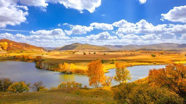 文章 魅力乌兰布统-多彩秋日  景点介绍 乌兰布统 乌兰布统景区位于