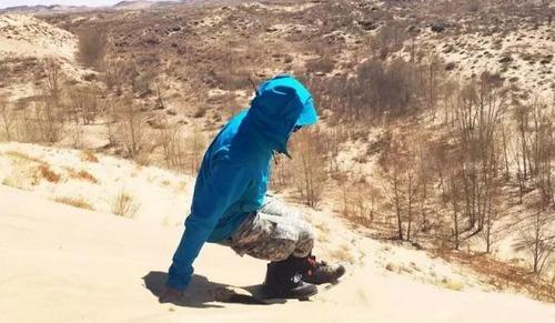 装备研究院 | 涉水滑沙徒步行,CRISPI越野鞋大漠爆测