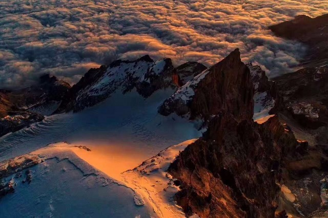 M记 | 哈巴雪山跨年行,高山测评MONTBELL多功能背包