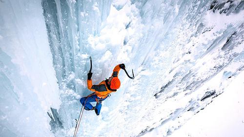攀冰季将至,攀冰该有哪些装备你都知道不?
