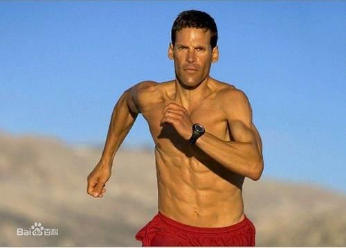 时隔15年他重回跑道,50天跑完美国