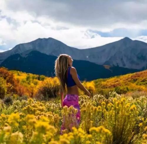热爱冒险游历40国,3年徒步8000公里!她的梦想是保护地球!