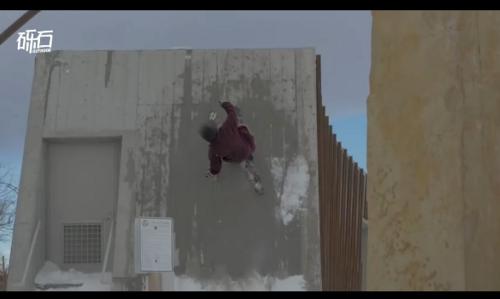这滑雪技术能上天!