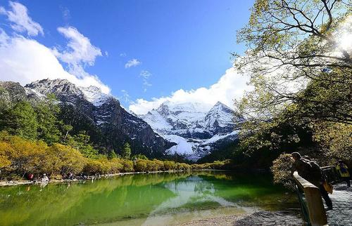 就算你路过了全世界,也不能错过的蓝色星球上最后一片净土!稻亚的春日才是世外仙境!