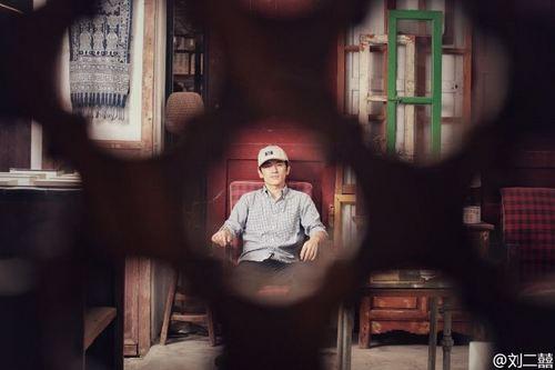 斜杠青年|51天1200公里环台湾徒步之后,他为背包客们开了一家24小时不打烊书店!
