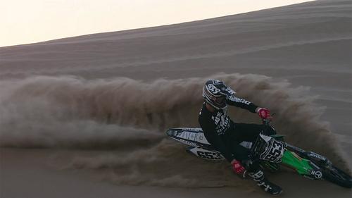 速度与激情的狂欢,看沙漠中各种贴地飞行