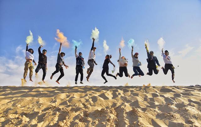 清明·大学生沙漠音乐节 | 浩瀚沙海 浪漫星空 露营烧烤 篝火狂欢 趣味运动会 优秀DJ和乐手带你嗨