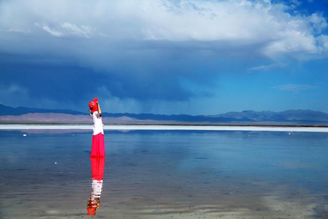 最浪漫的事情就是和你一起去青海漫步行摄,青海湖骑行,骑马特别体验,漫拍茶卡盐湖