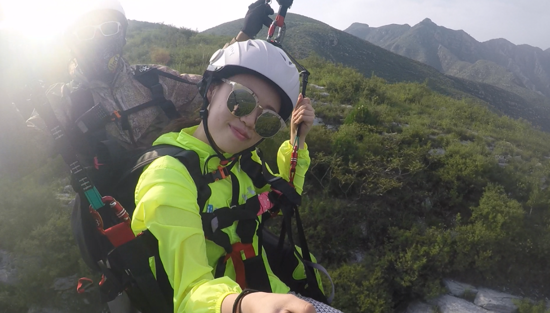 御风飞翔,滑翔伞双人带飞体验活动