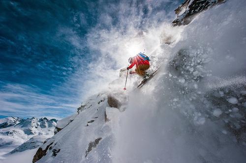 雪场滑学太out了,现在流行的是雪山滑雪